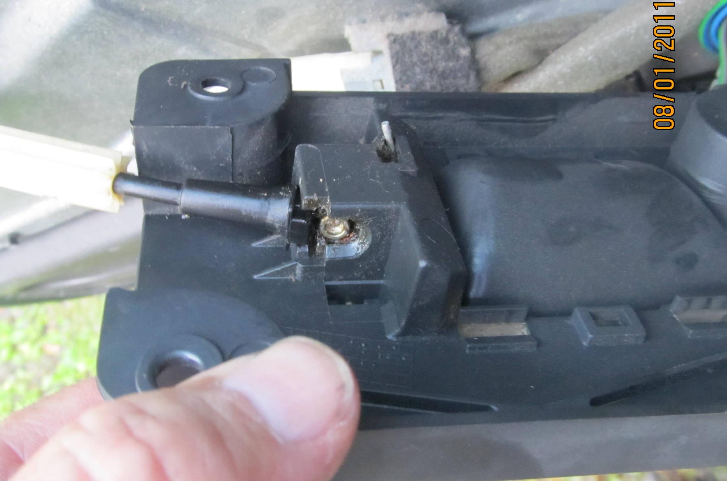 98 V70 inside door handle - Fix or buy?