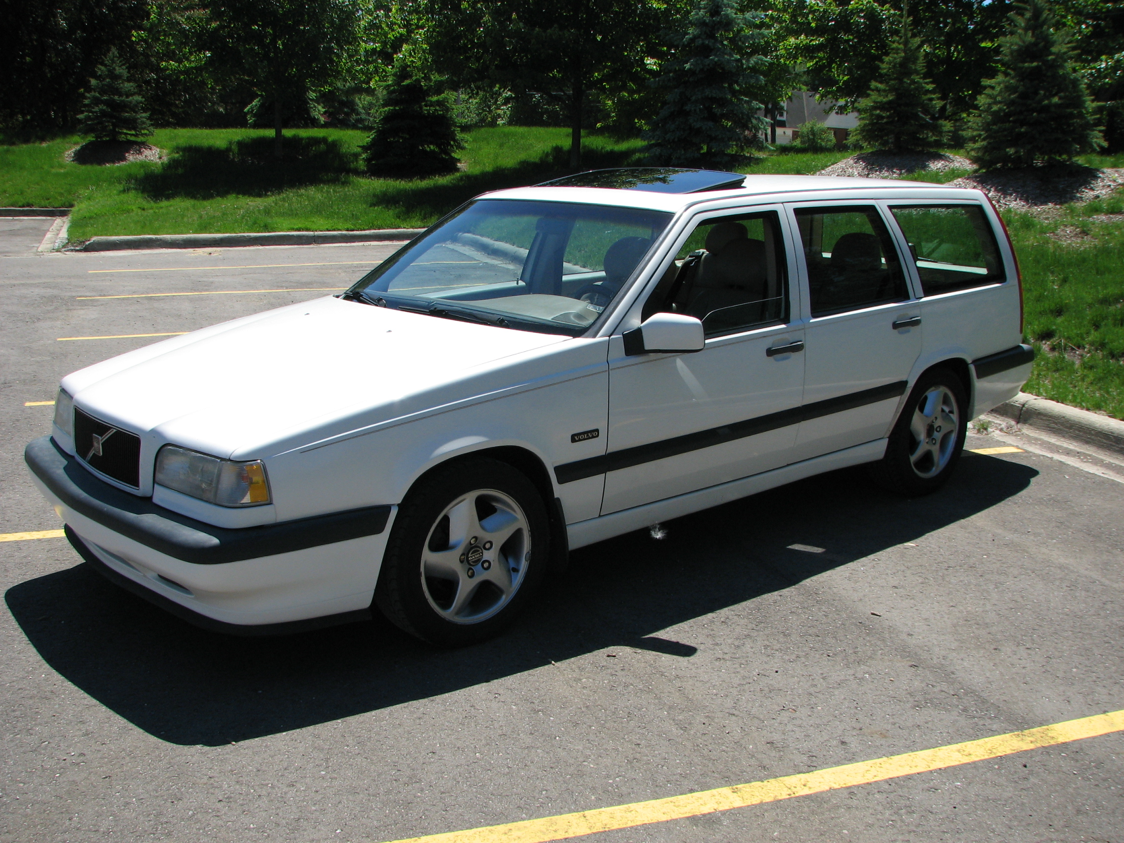 855 Tailgate Spoiler Mounting Kit Volvo Forums