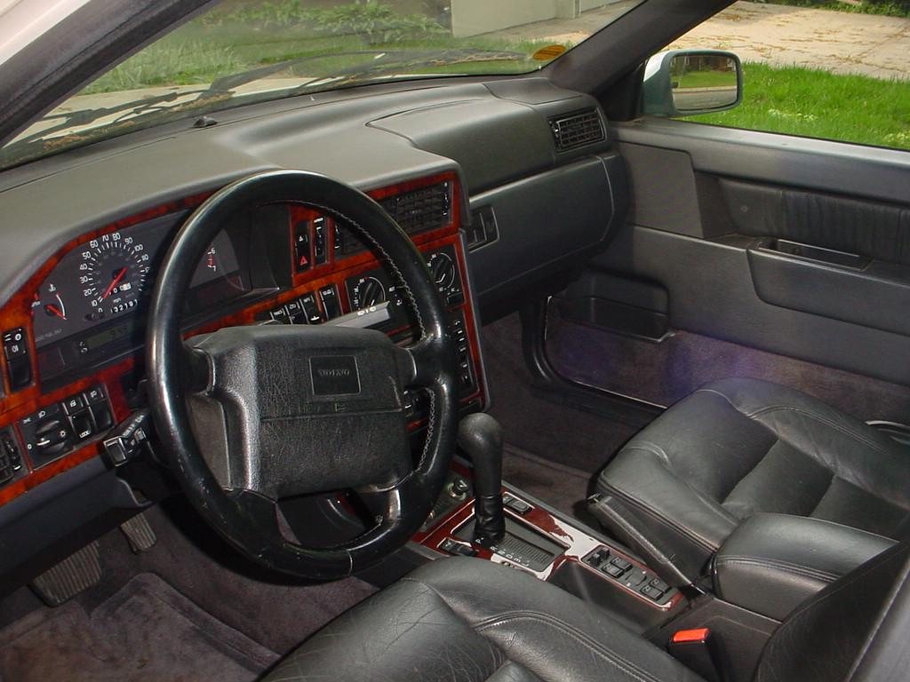Volvo 850 Dashboard Mount Repair