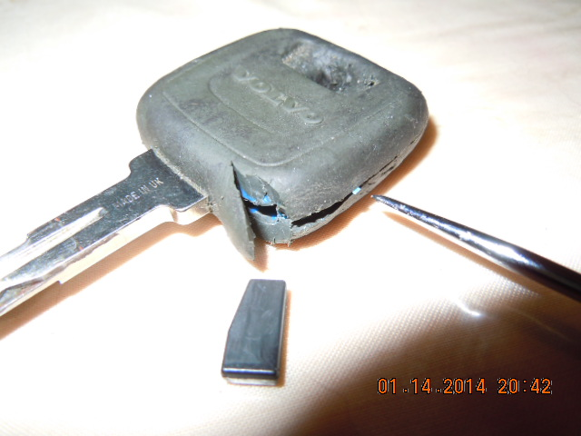 Immobilizer Chip Extraction from Key - 1999 Volvo V70 ...