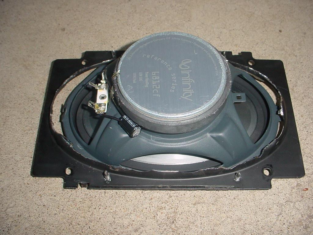 Volvo speaker top plate