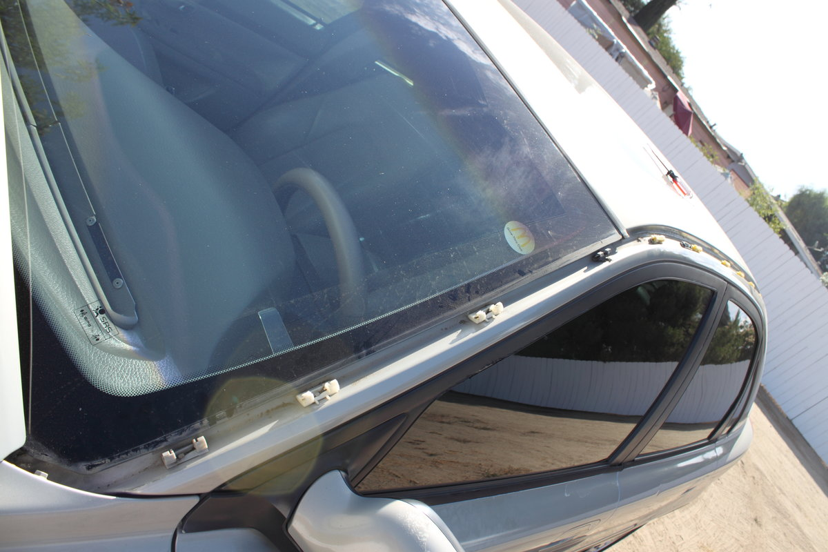 2000 S80 Fading And Peeling Quot Roof Trim Mouldings Quot Volvo