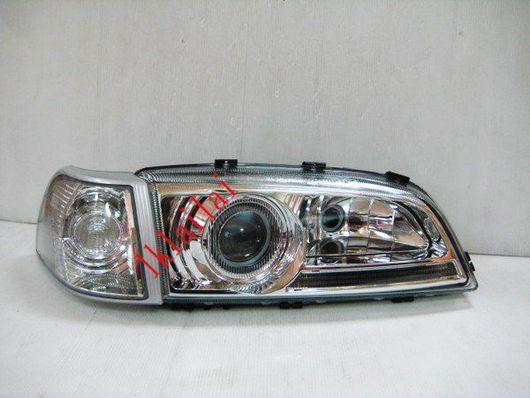 File on 2000 Volvo S70 Headlight