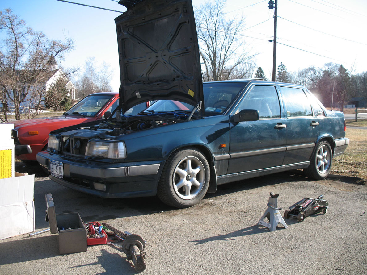 How hard is a DIY engine swap? Special tools needed? - Volvo