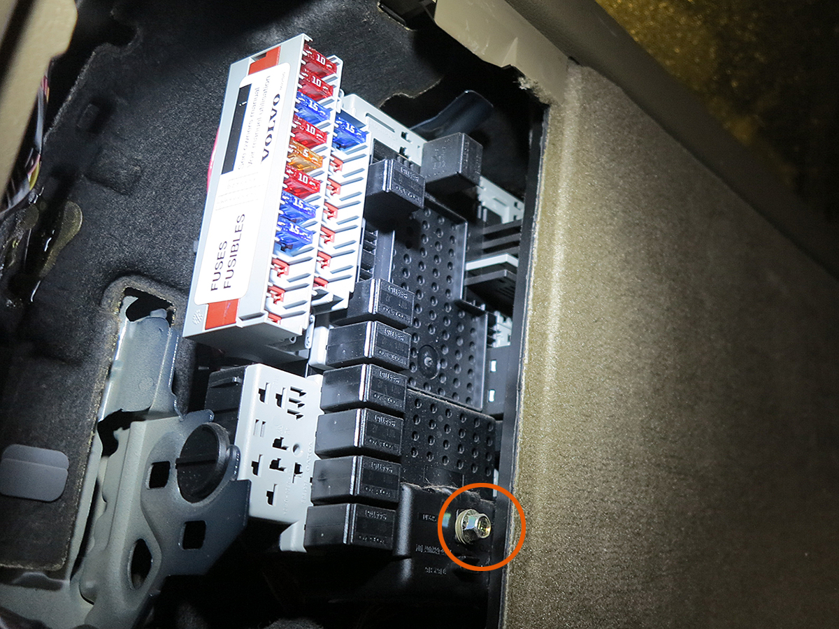 File on Volvo V70 Fuse Box Diagram