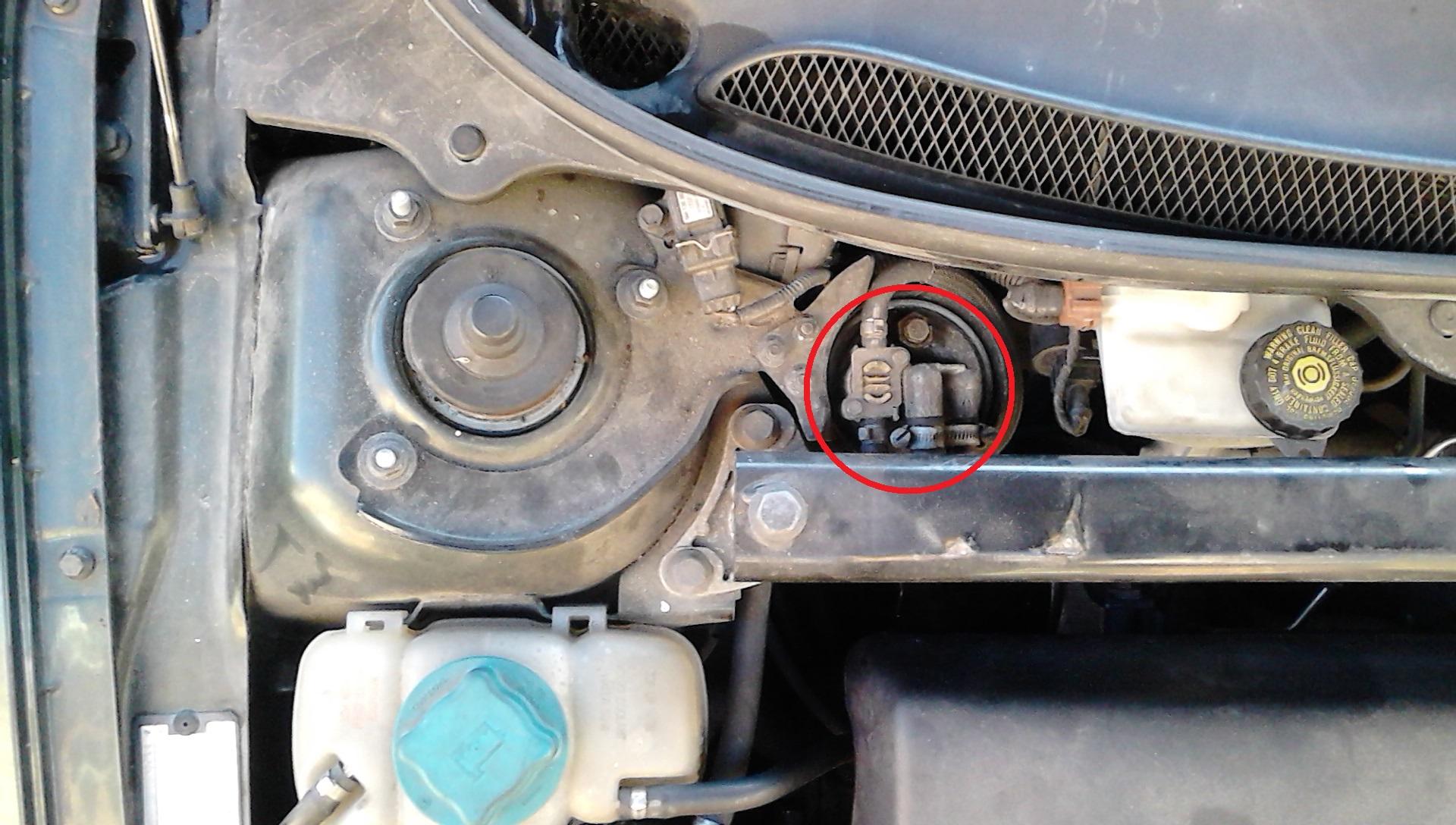 2001 V70 2.5 TDi Fuel Filter Replacement - Engine Bay | Volvo S70 Fuel Filter Location |  | Matthews Volvo Site