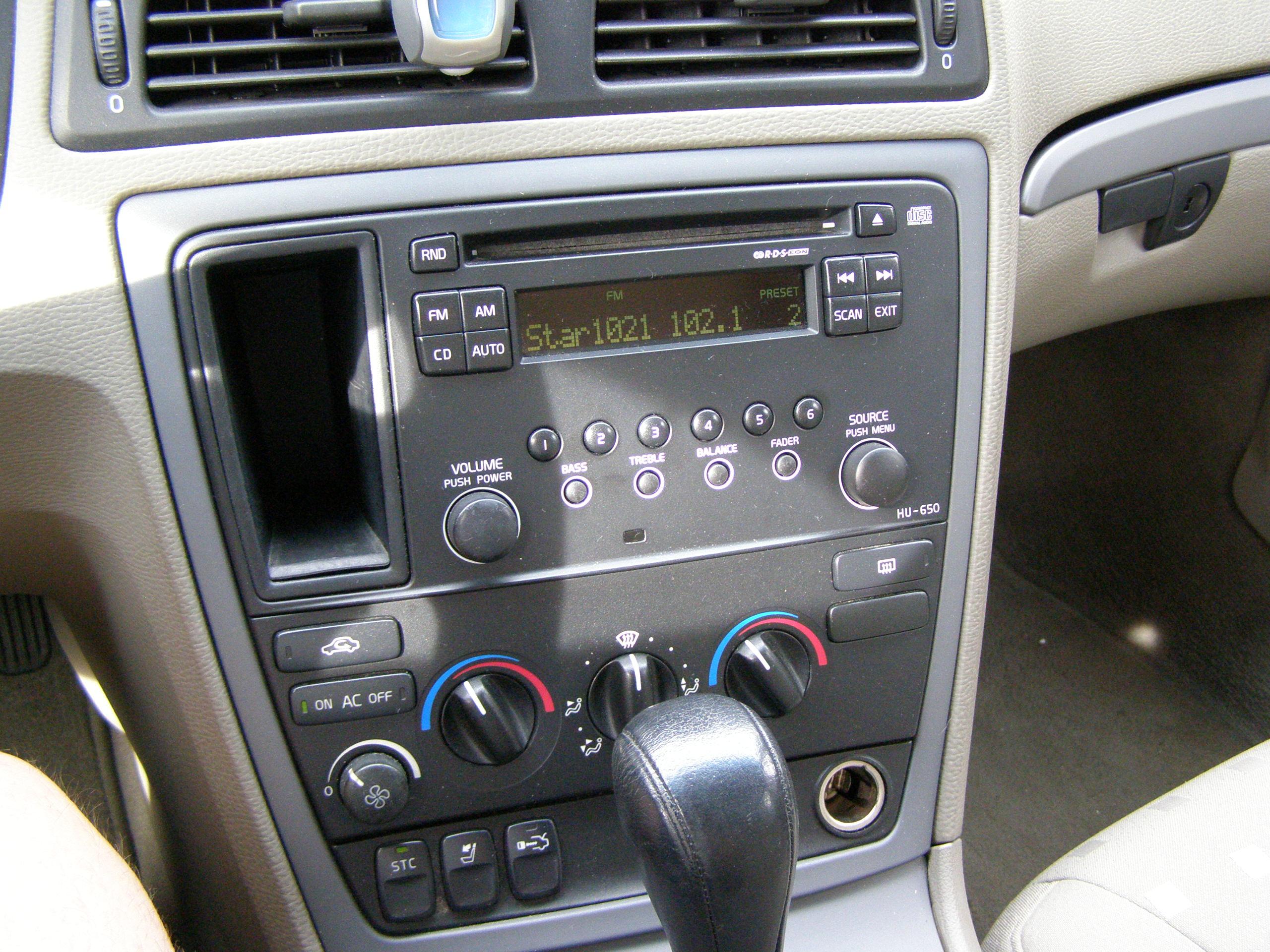 2005 S60 Radio Replacement