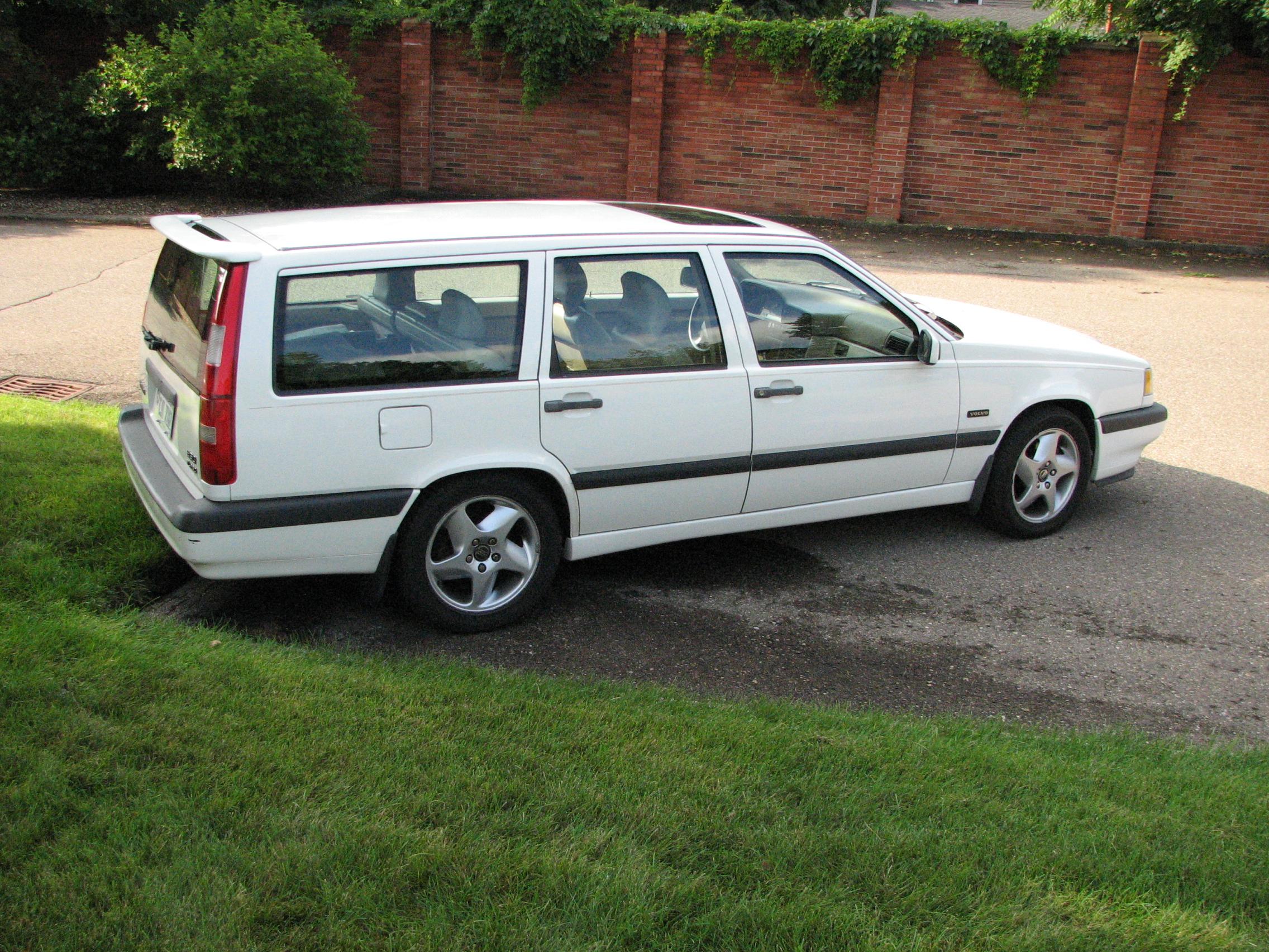 97 850 Wagon Spoiler Mounting Brackets Same As 98 V70