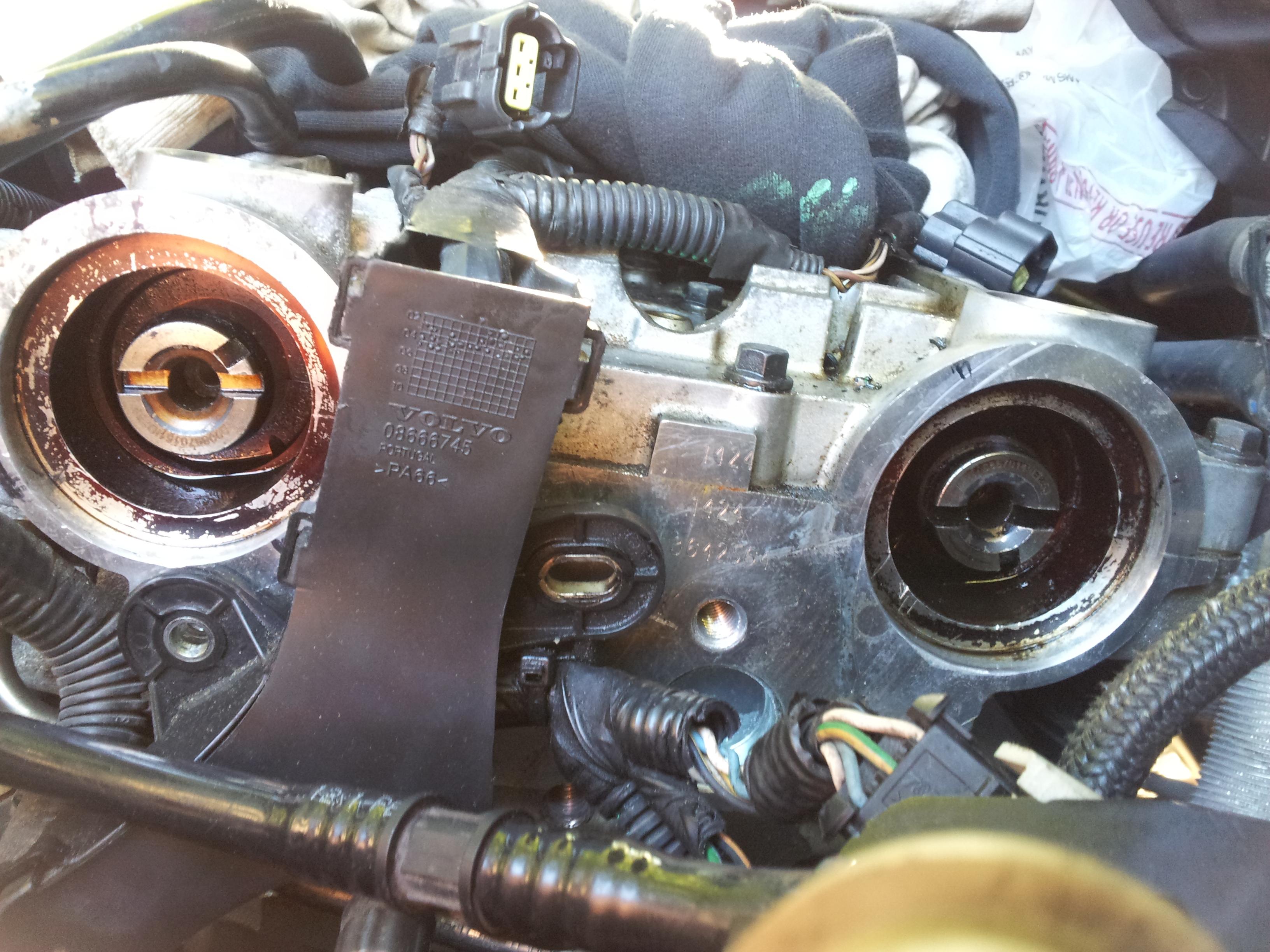 Exhaust Cam Gear Attachment To Vvt