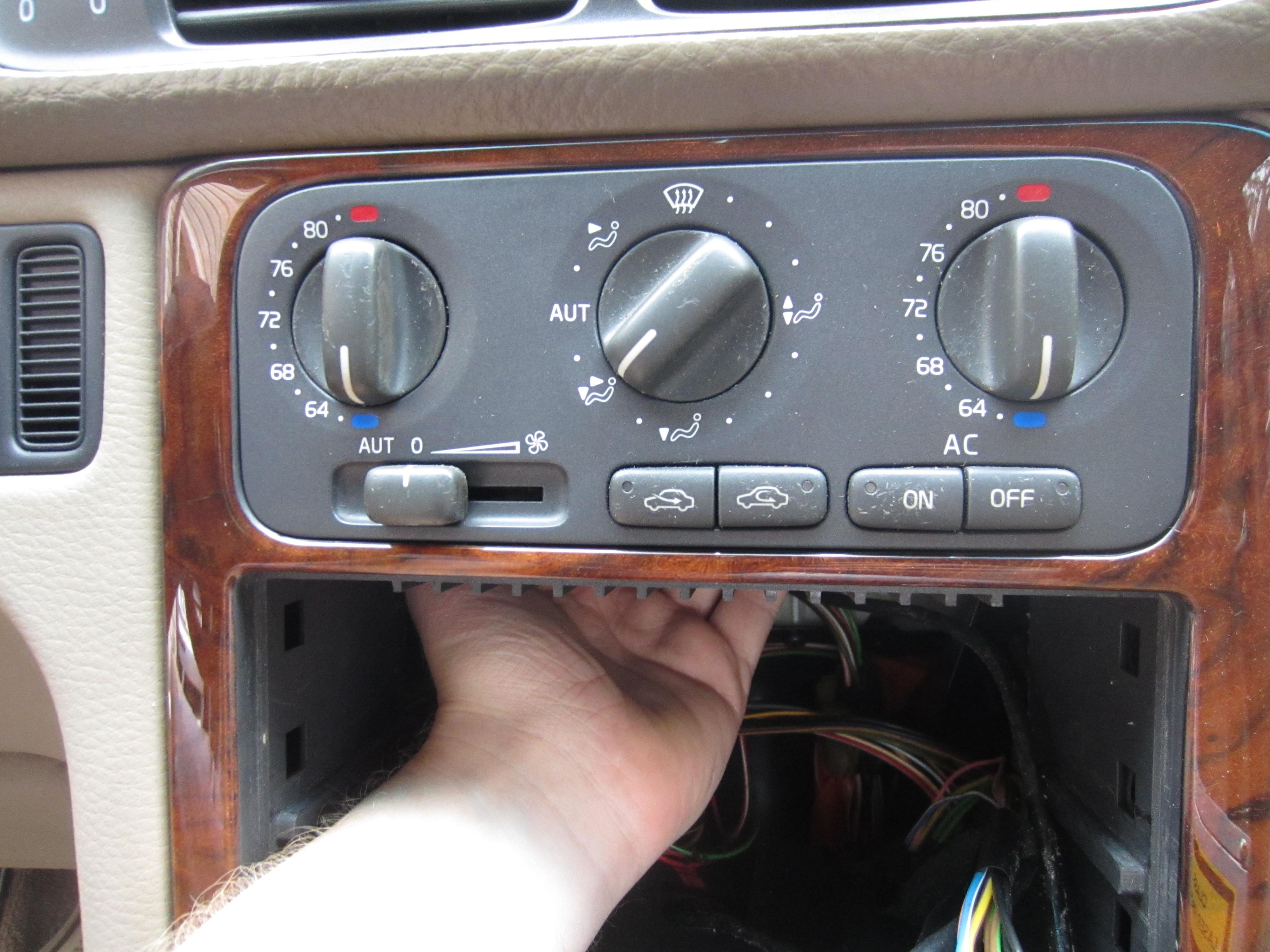 DIY: ECC Cabin Temperature Sensor 3524841 Removal