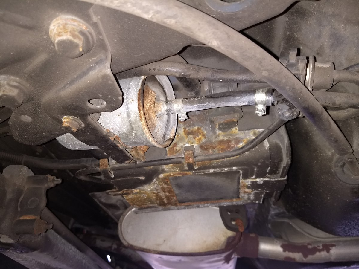 Broken Fuel Line Clip To Fuel Filter Volvo Forums