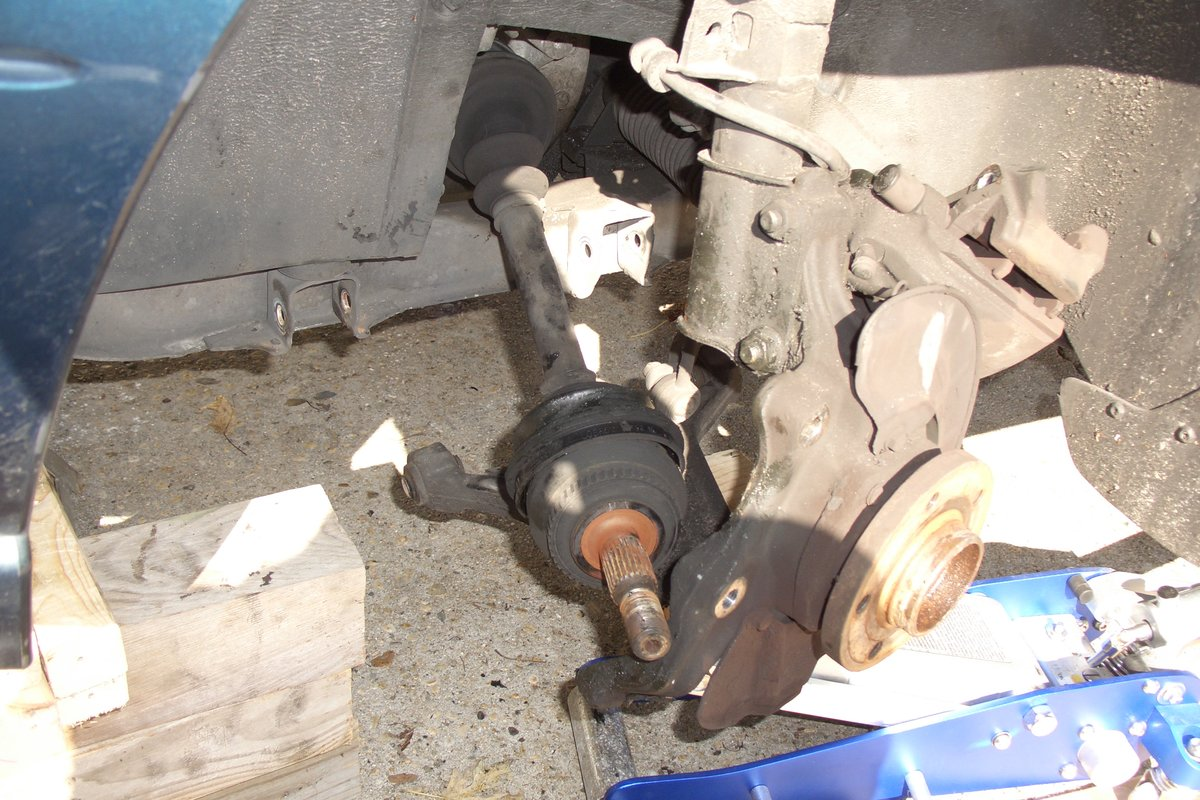 V70 Drive axle removal