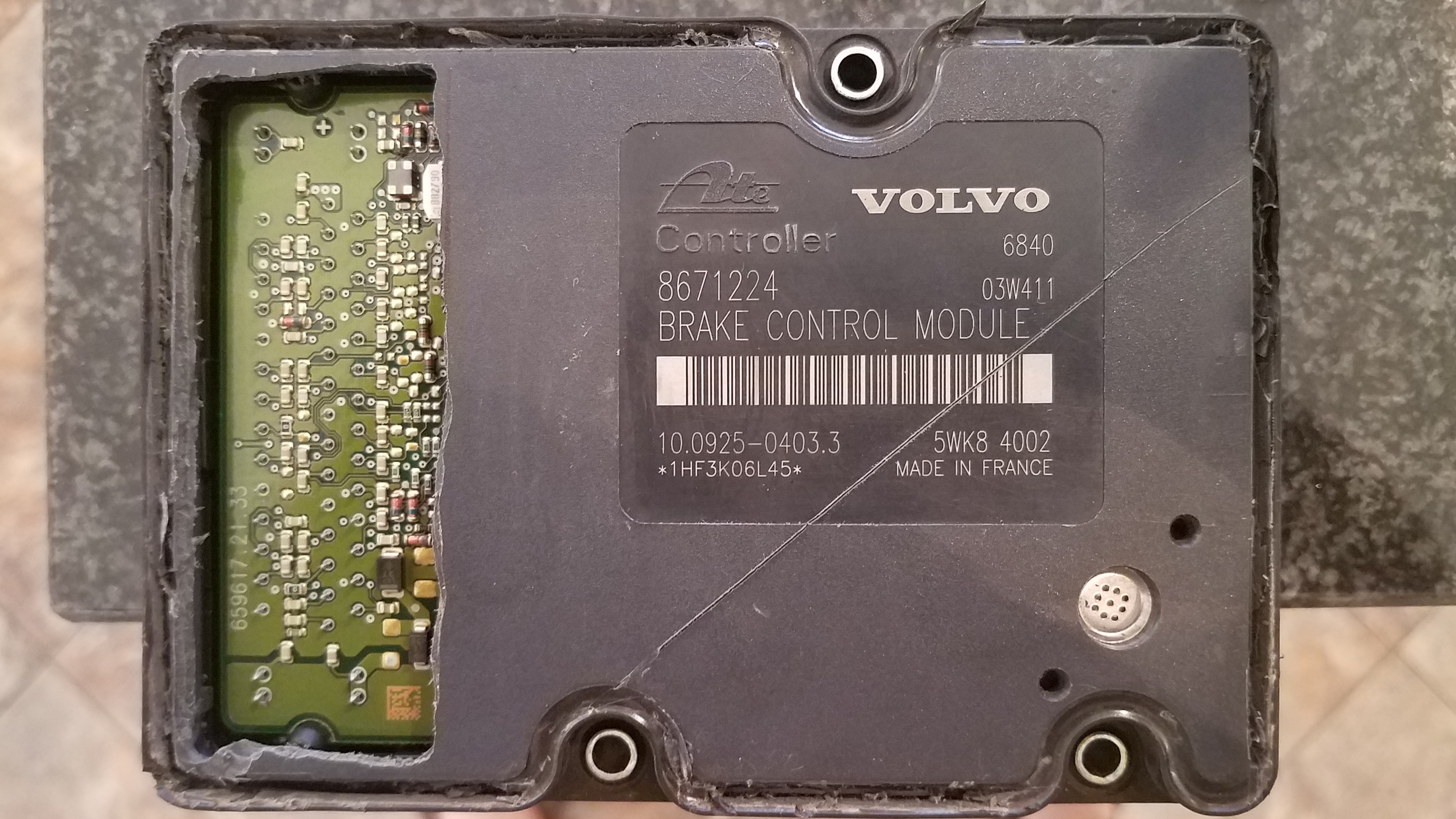 2004 V70 Repair of 8671224 Brake Control Module, BCM