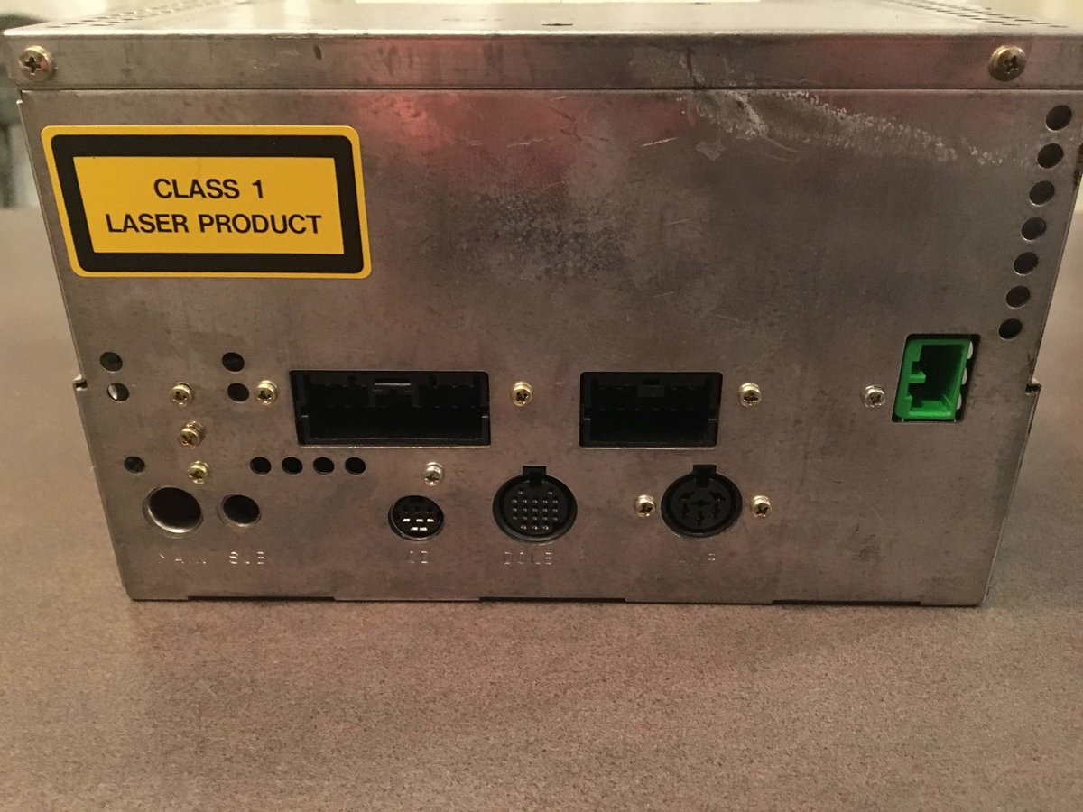 File on 2000 Volvo S70 Radio
