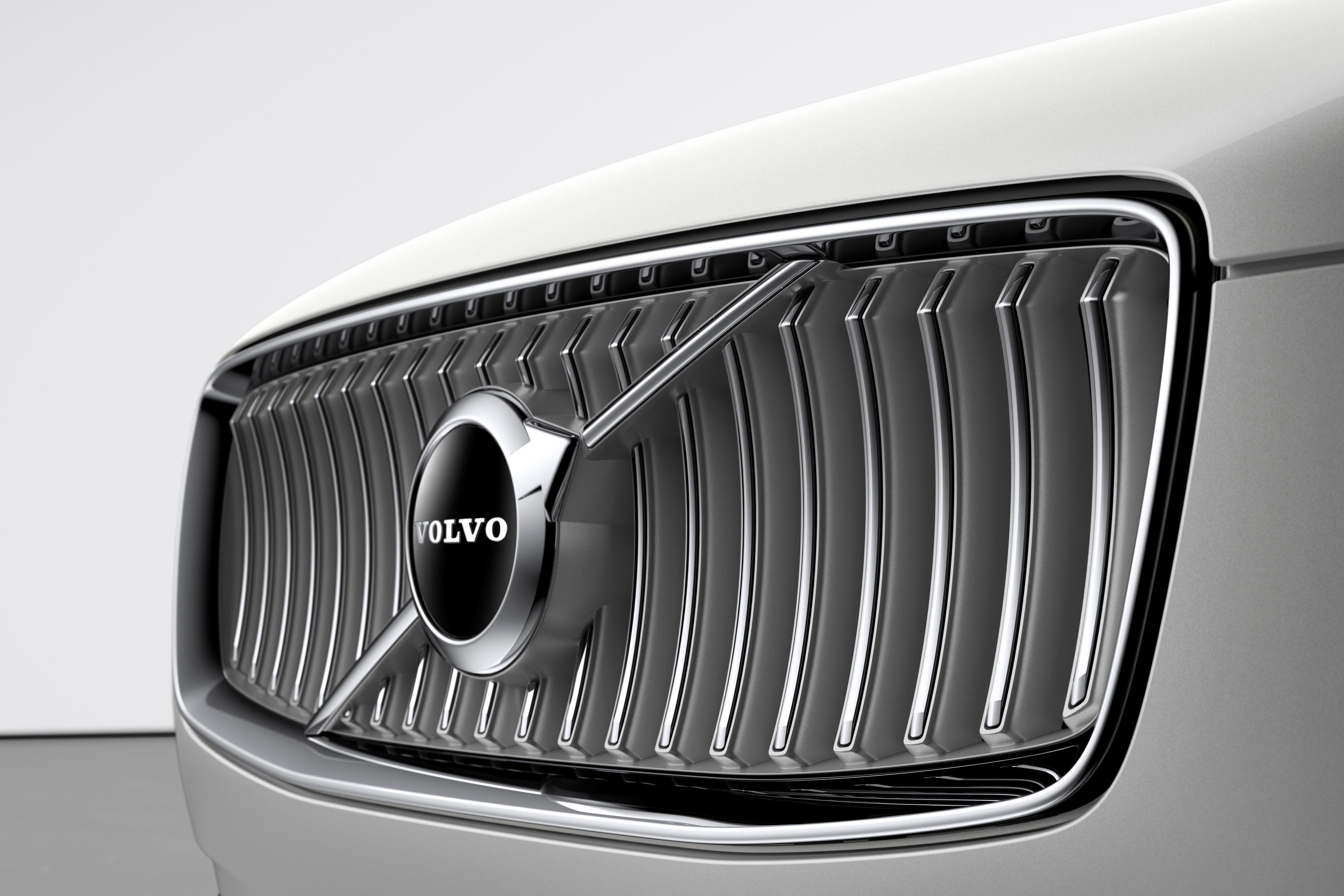 The refreshed Volvo XC90 Inscription T8 Twin Engine in Birch Light