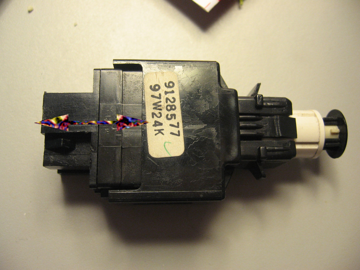 39 98 v70 brake lights stuck on sometimes don 39 t work. Black Bedroom Furniture Sets. Home Design Ideas