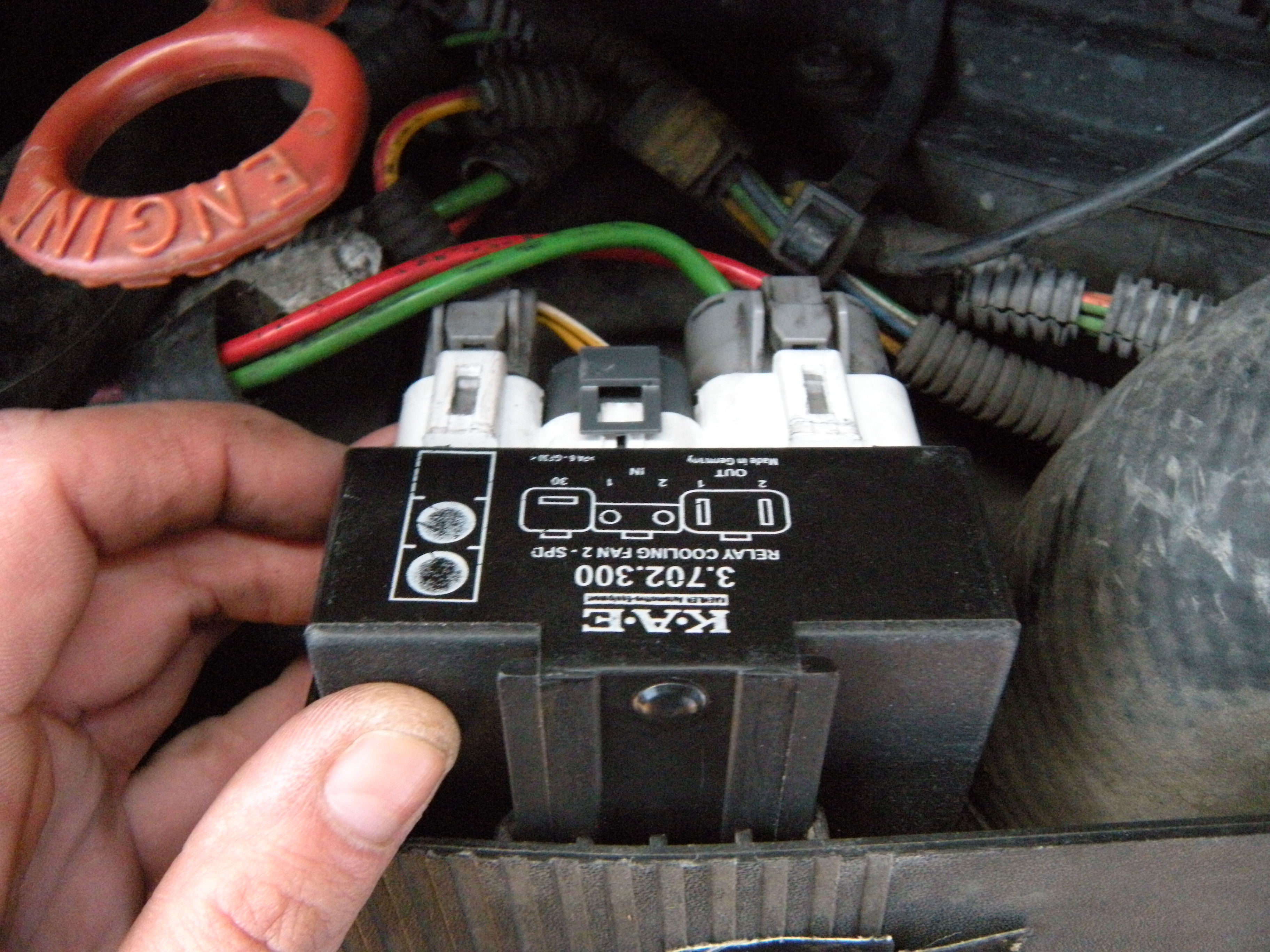 Cooling Fan Relay Easy Replacement w/pics - Volvo Forums