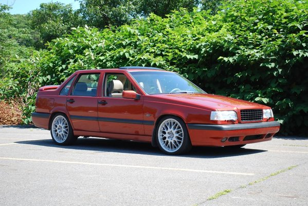 Volvo 850 T5 in Autumn Gold