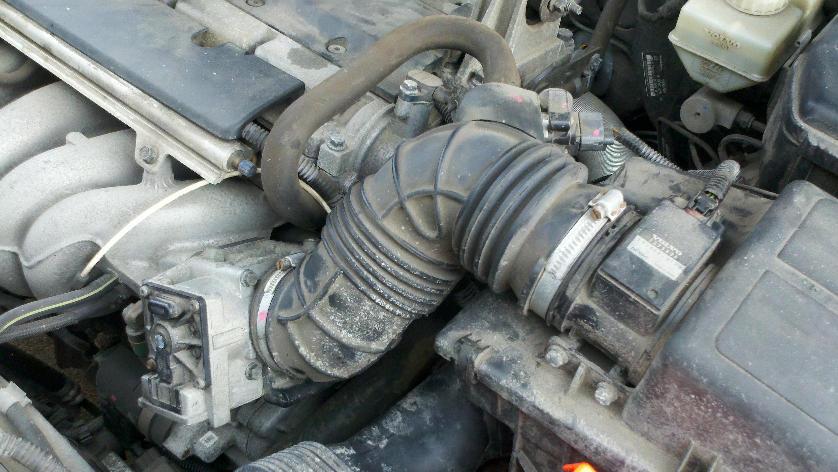 Throttle Position Sensor on 2000 Volvo S70