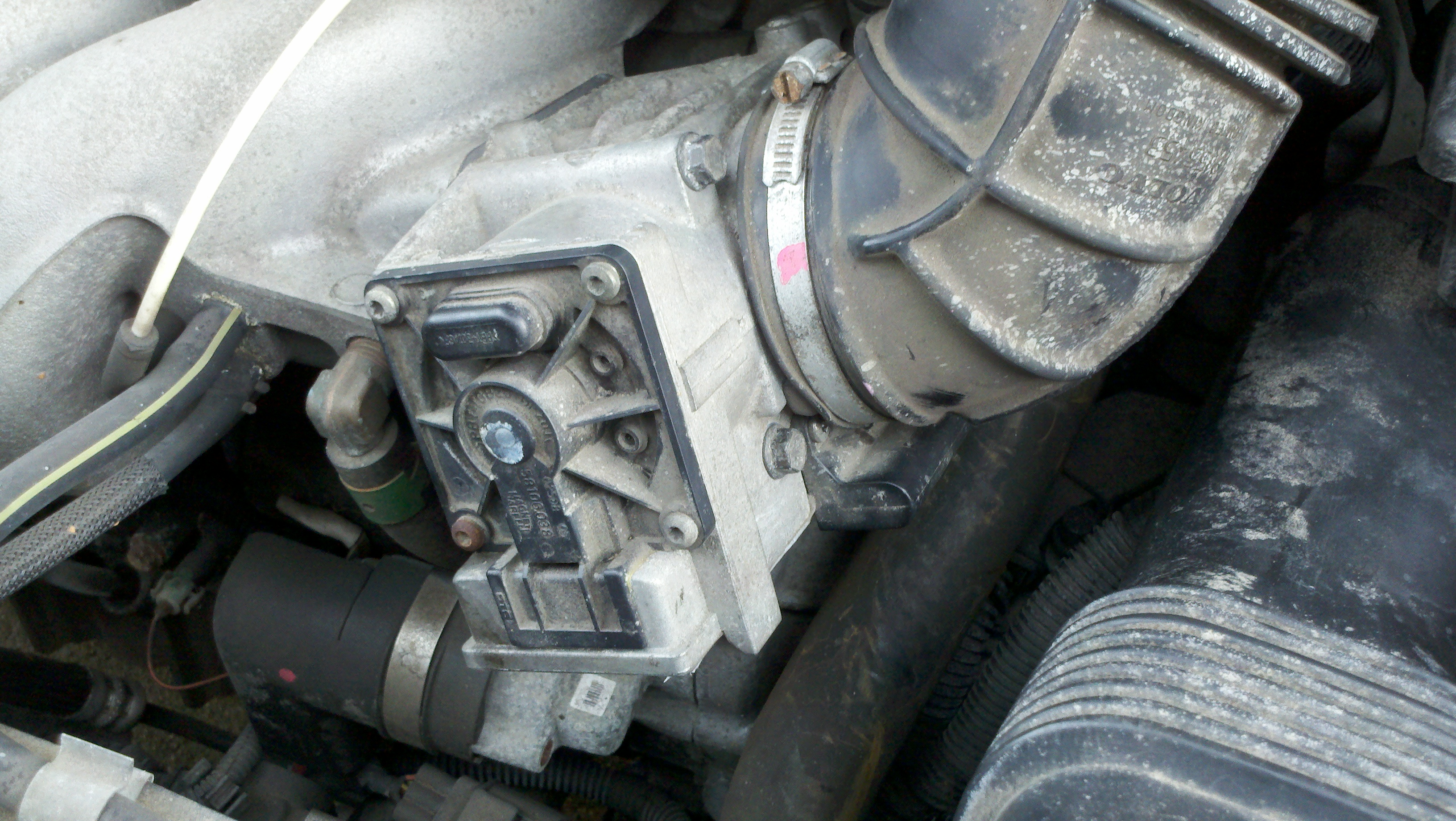 Throttle Position Sensor on 2000 Volvo S70