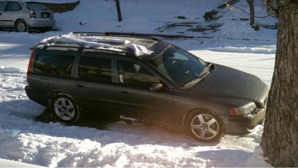 V70 R in snow