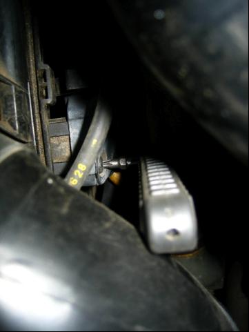 Replace Distributor Cap & Rotor Volvo 850, S70, V70