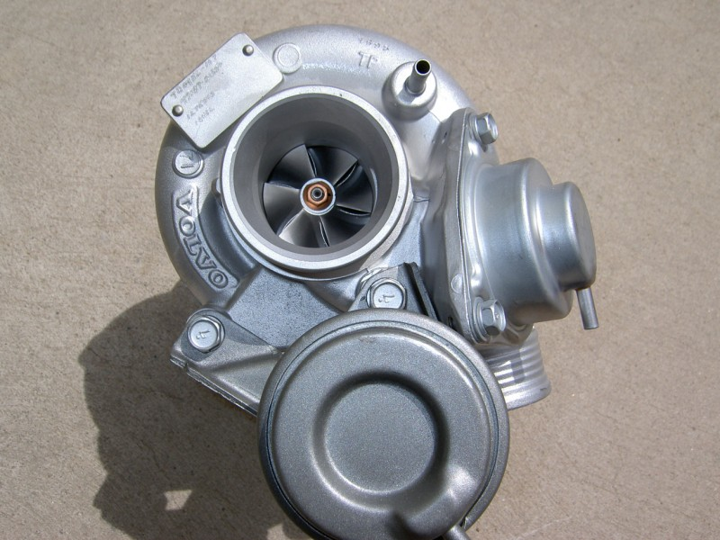 PICT0495 - Which Volvo Turbocharger is Better? 13G, 13T, 15G