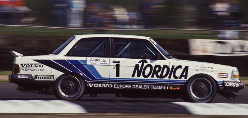 All Shook Up Volvo S 850 Wagon In The 1994 Btcc