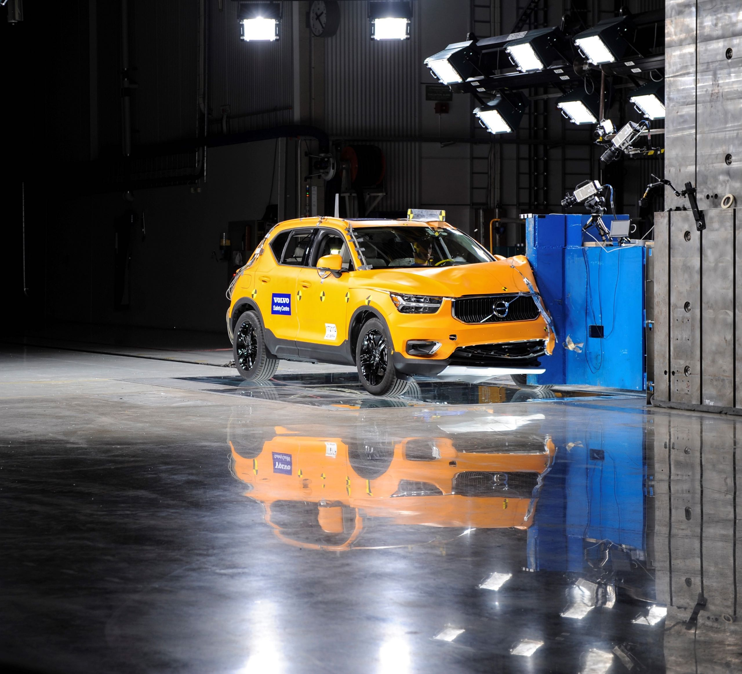 New Volvo XC40 Small Overlap Crash Test -  2017, 2018, 2018 New XC40, Exterior, Images, New XC40, Safety