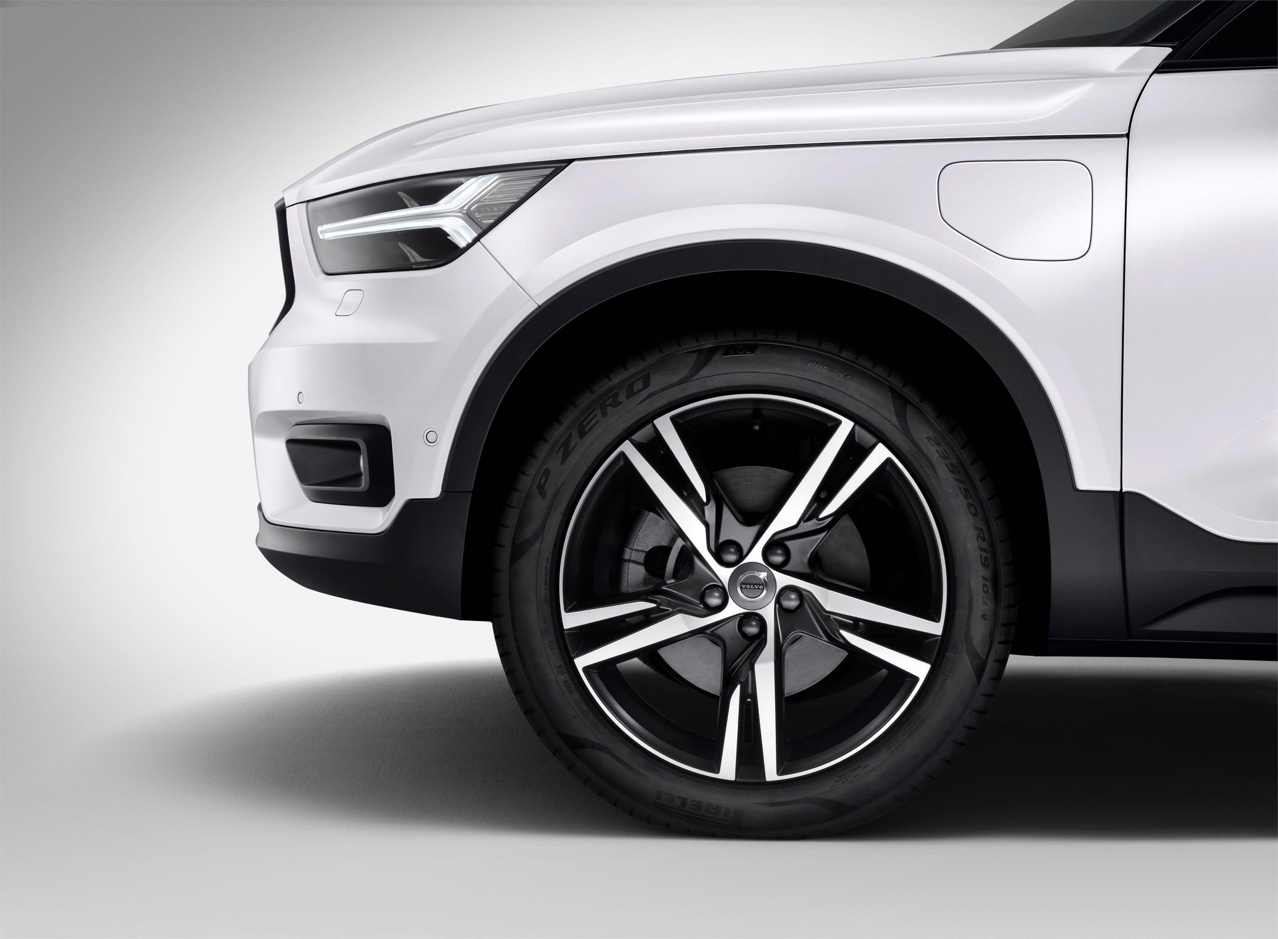 New Volvo XC40 T5 Plug In Hybrid -  2018, 2018 New XC40, Electrification, Exterior, Images, New XC40, Studio, Technology