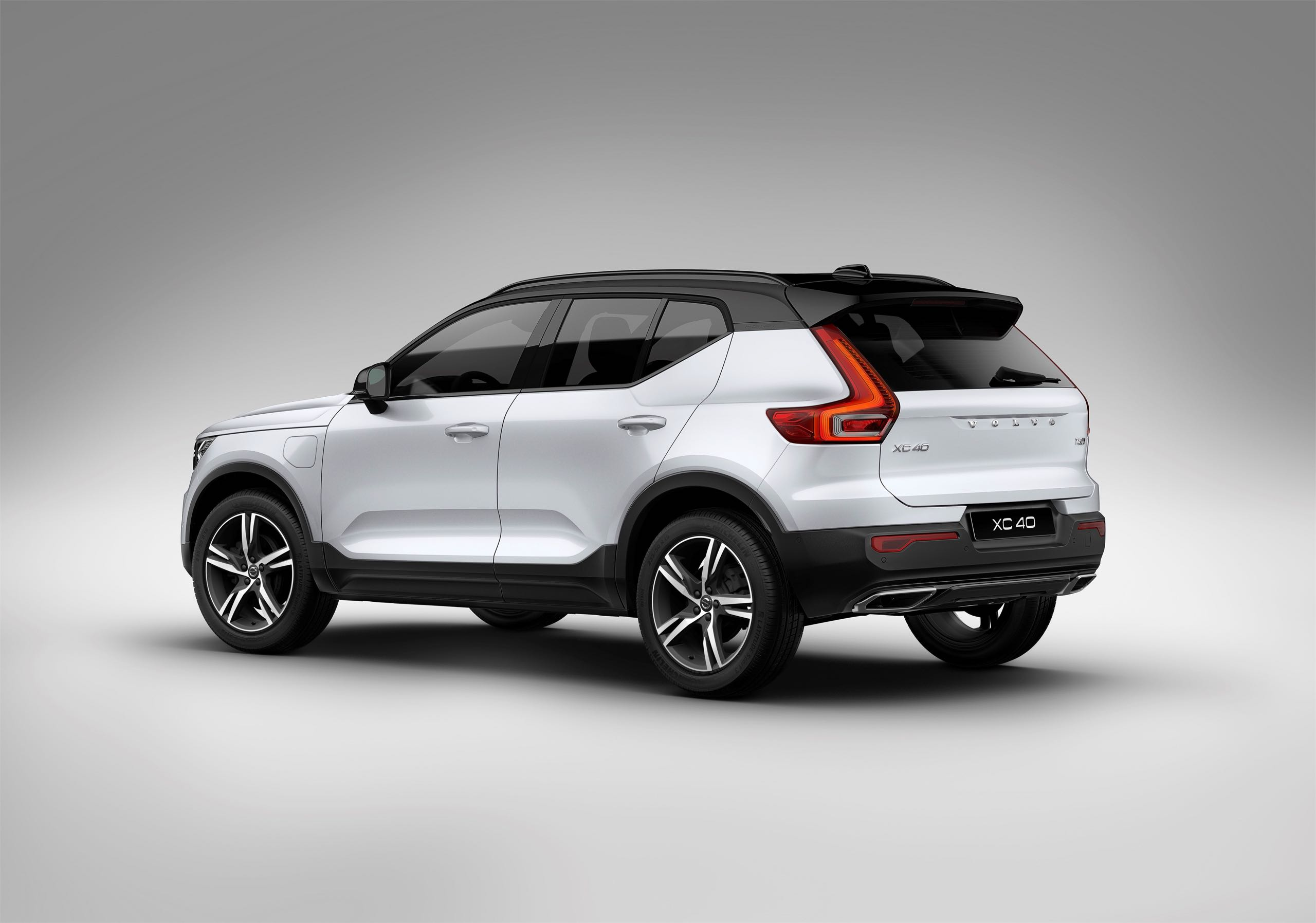 New Volvo XC40 T5 Plug In Hybrid -  2018, 2018 New XC40, Electrification, Exterior, Images, New XC40, Studio, Technology