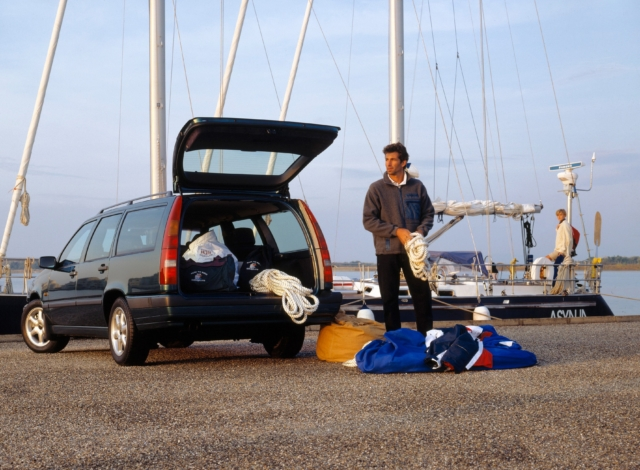 Volvo 850 -  850, 850 wagon, 1993, Exterior, Historical, Images, People
