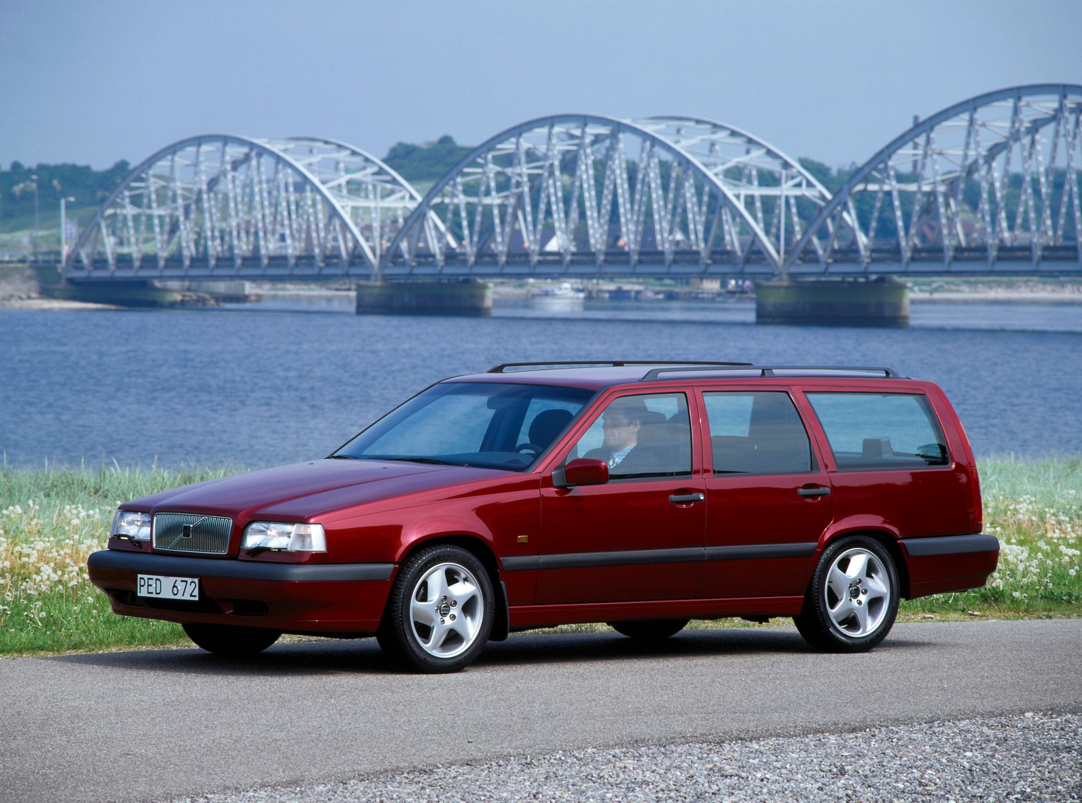 Volvo 850 -  850, 850 wagon, 1994, Exterior, Historical, Images