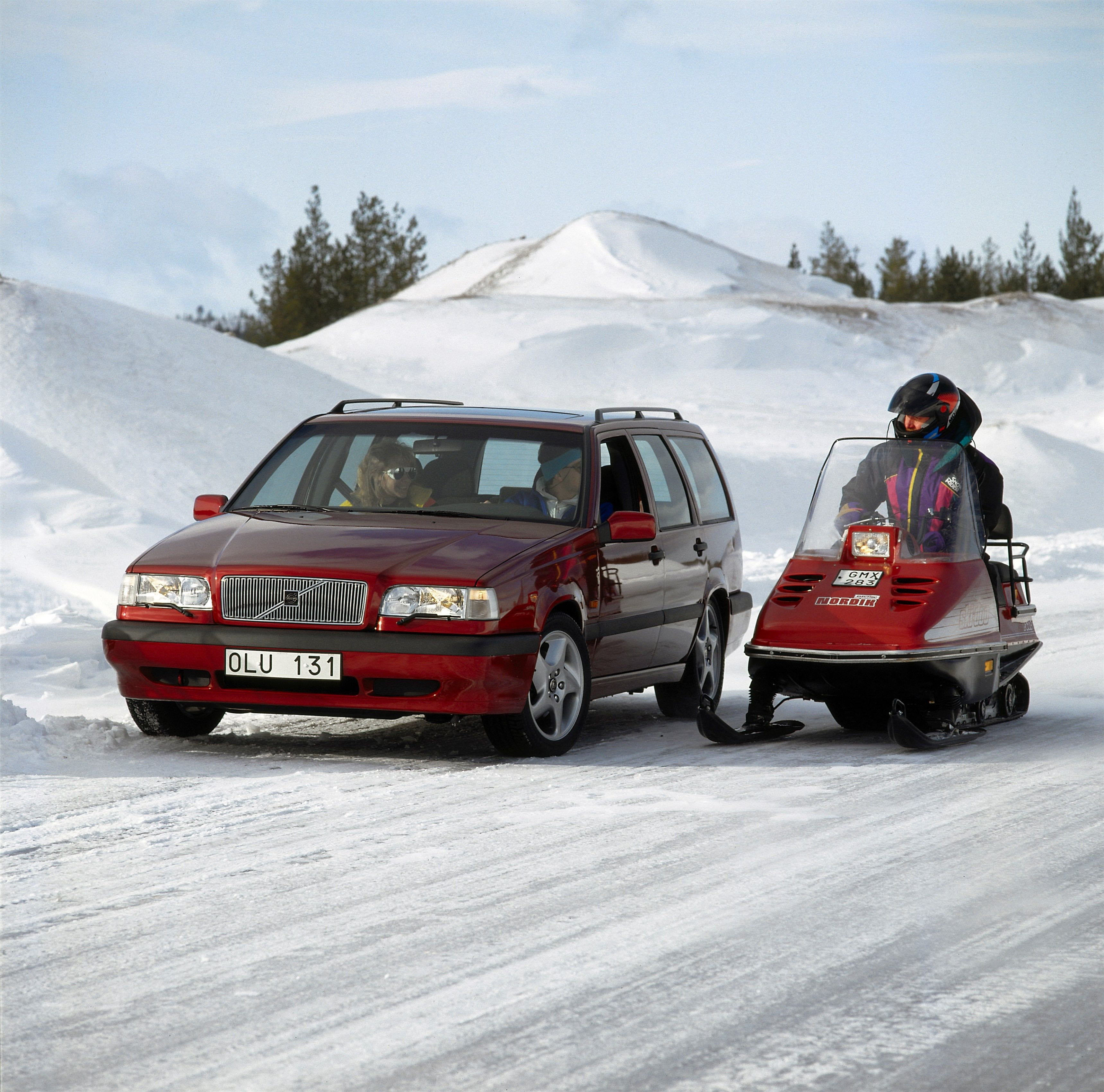 Volvo 850 -  850, 850 wagon, 1994, Exterior, Historical, Images, People