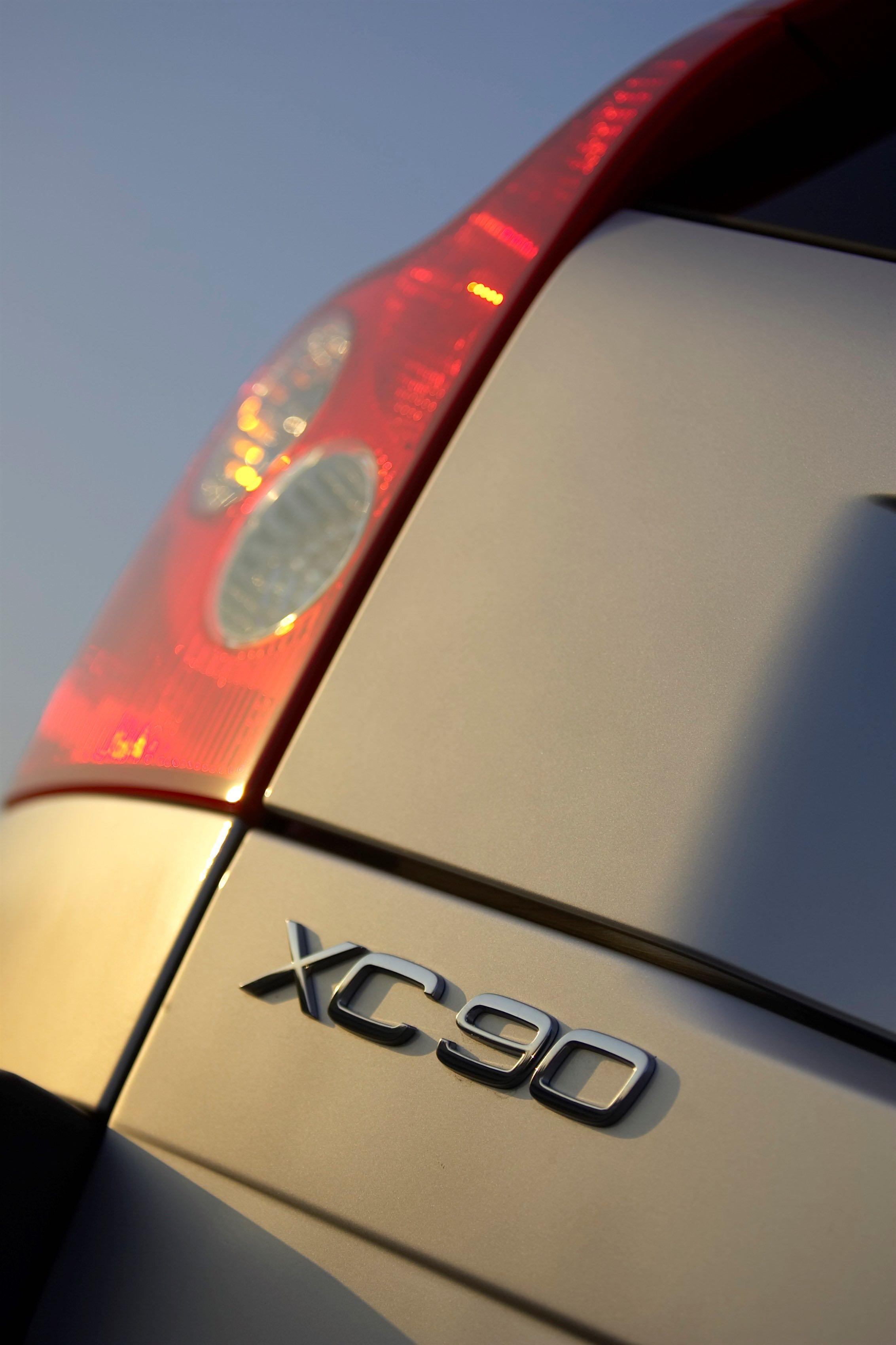 Volvo XC90 V8 -  silver, taillight, XC90 V8