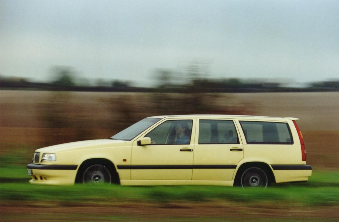 Volvo 850r Cream Yellow Wagon3 -