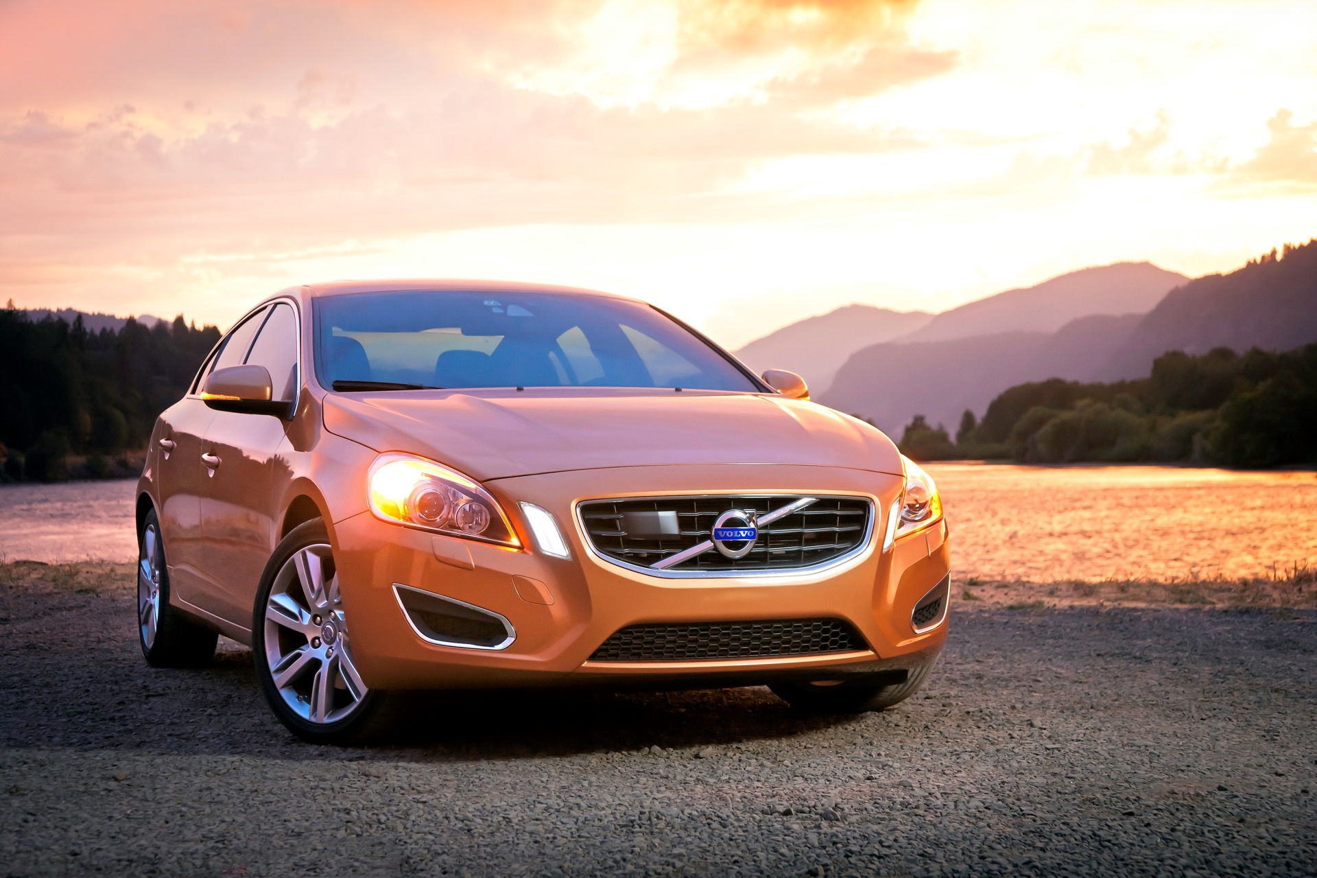Front 3 4 View Of S60 In Vibrant Copper -  Volvo