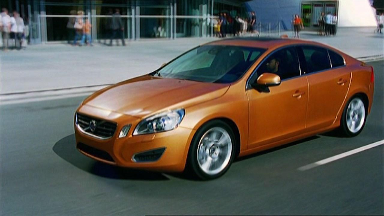 Pedestrian Detection U S Version Video Still -  Volvo