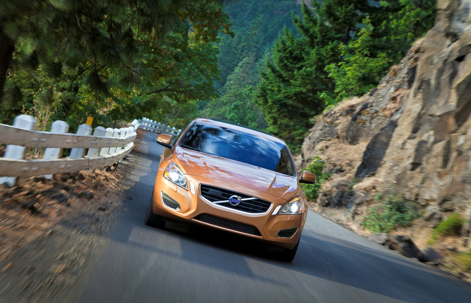 S60 T6 Awd Driving Action01 -  Volvo
