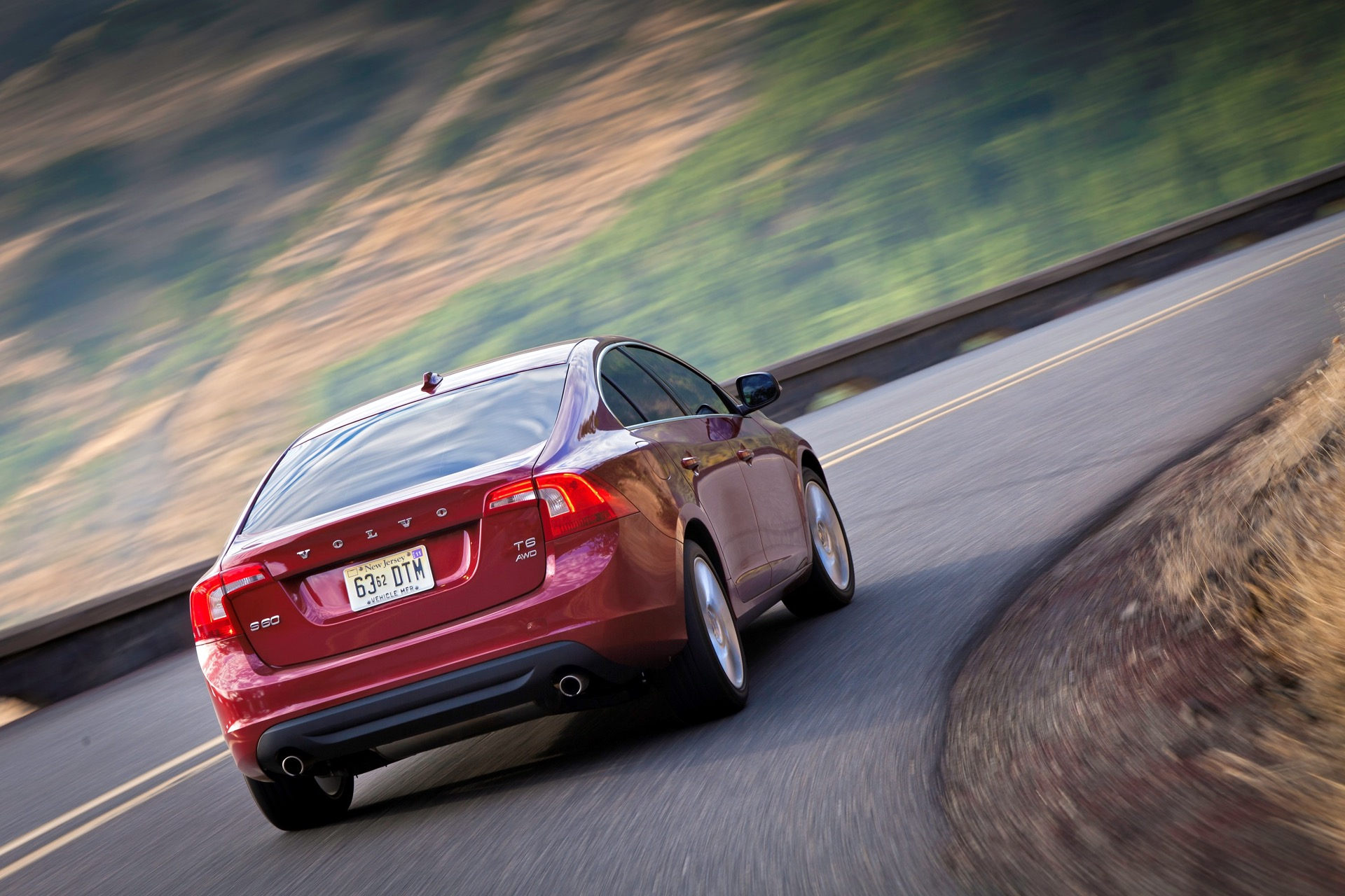 S60 T6 Awd Driving Action05 -  Volvo