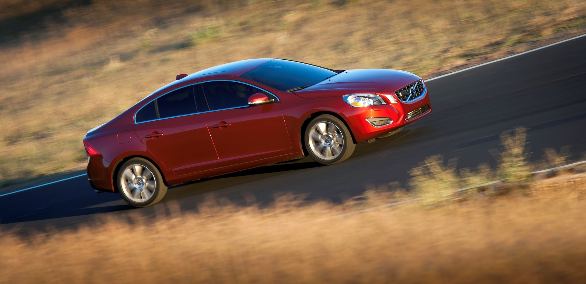 S60 T6 Awd Driving Action08 -  Volvo