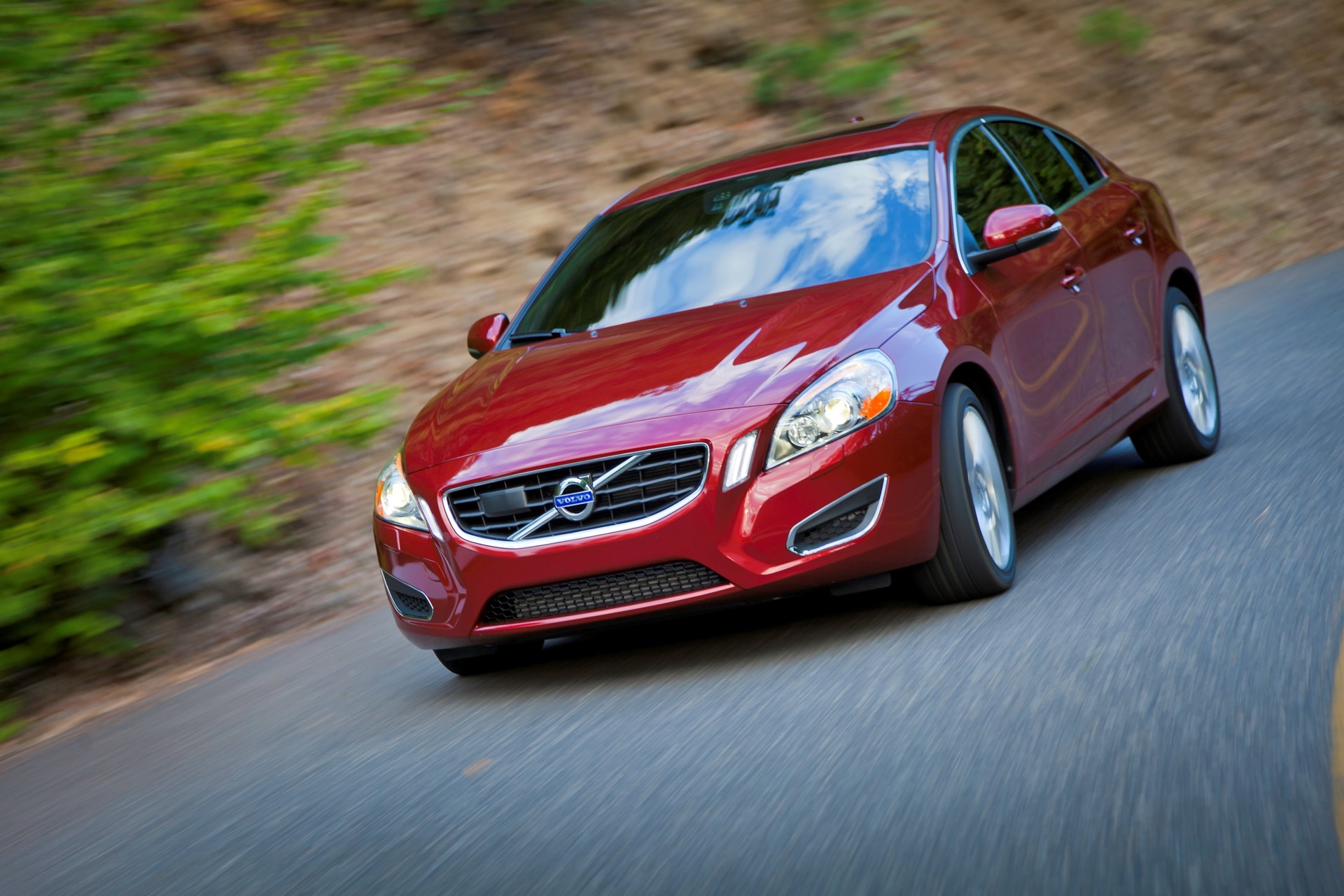 S60 T6 Awd Driving Action09 -  Volvo