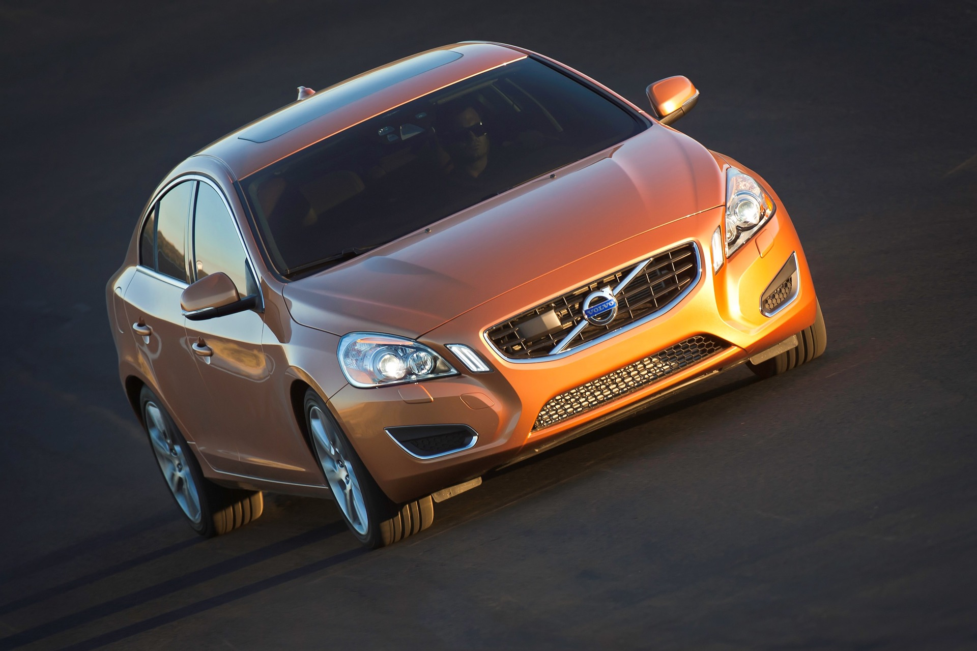 S60 T6 Awd Driving Action10 -  Volvo