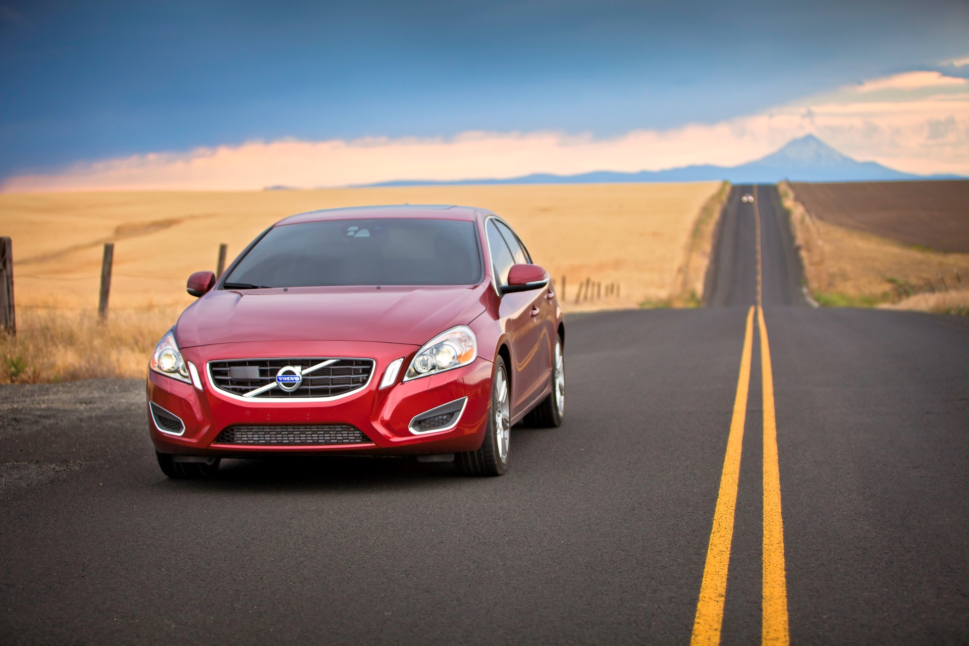 S60 T6 Awd Driving Action11 -  Volvo