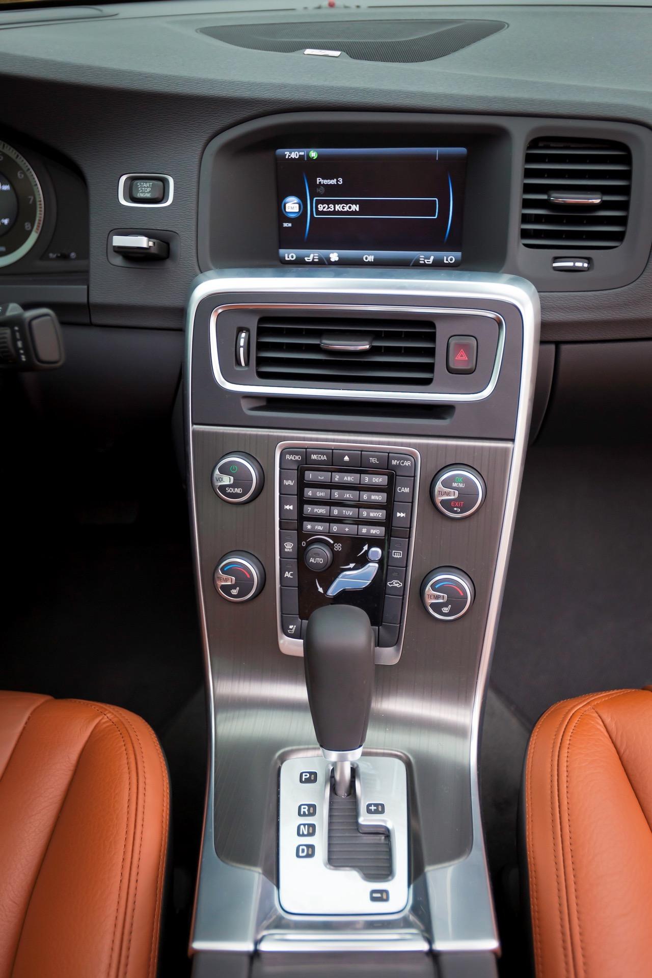S60 T6 Awd Interior Center Console -  Volvo