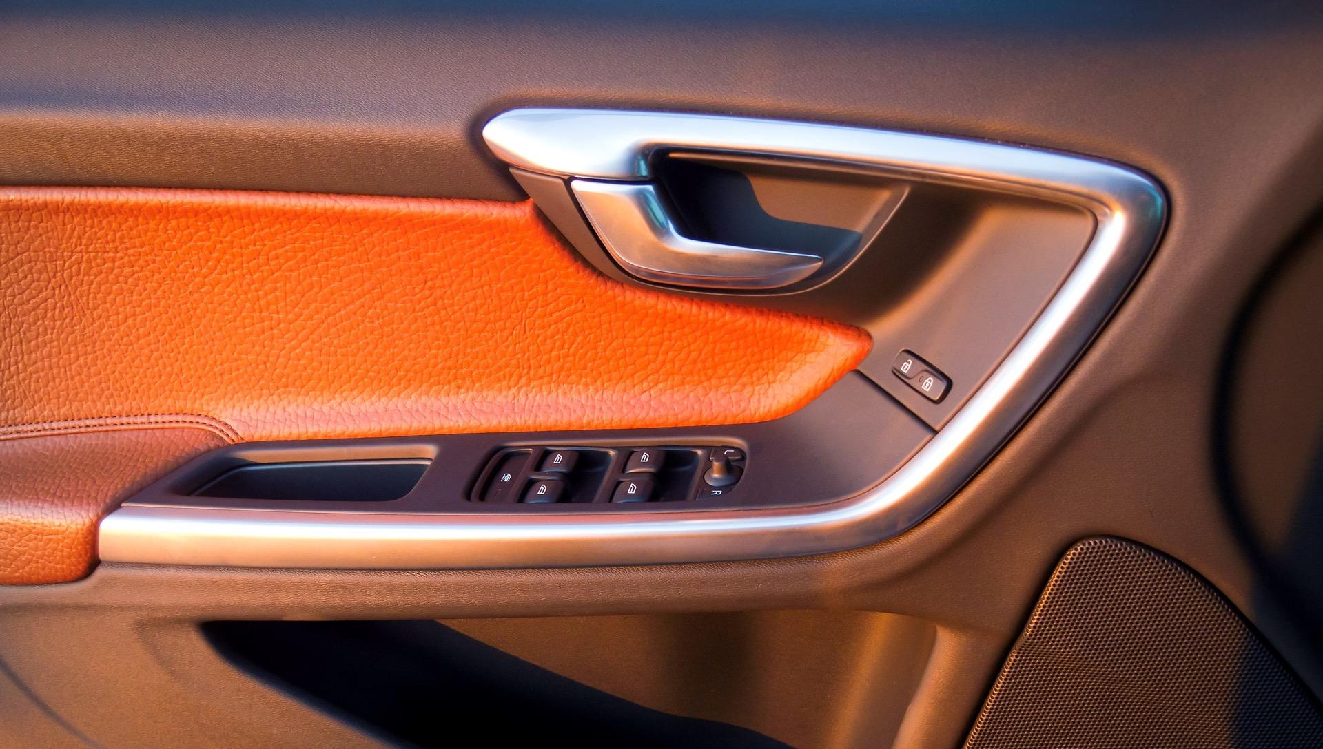 S60 T6 Awd Interior Door Handle Detail -  Volvo