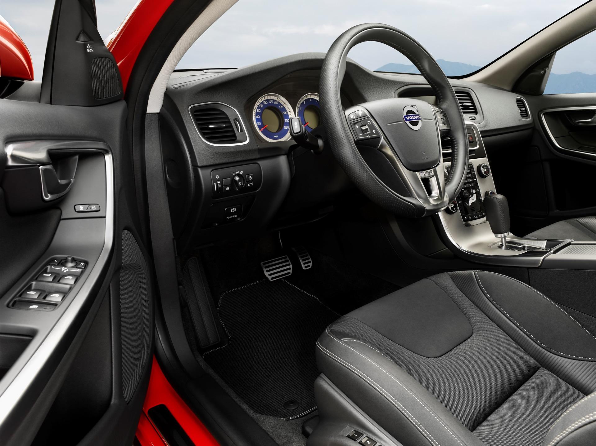 Volvo S60 V60 R Design01 -  Volvo