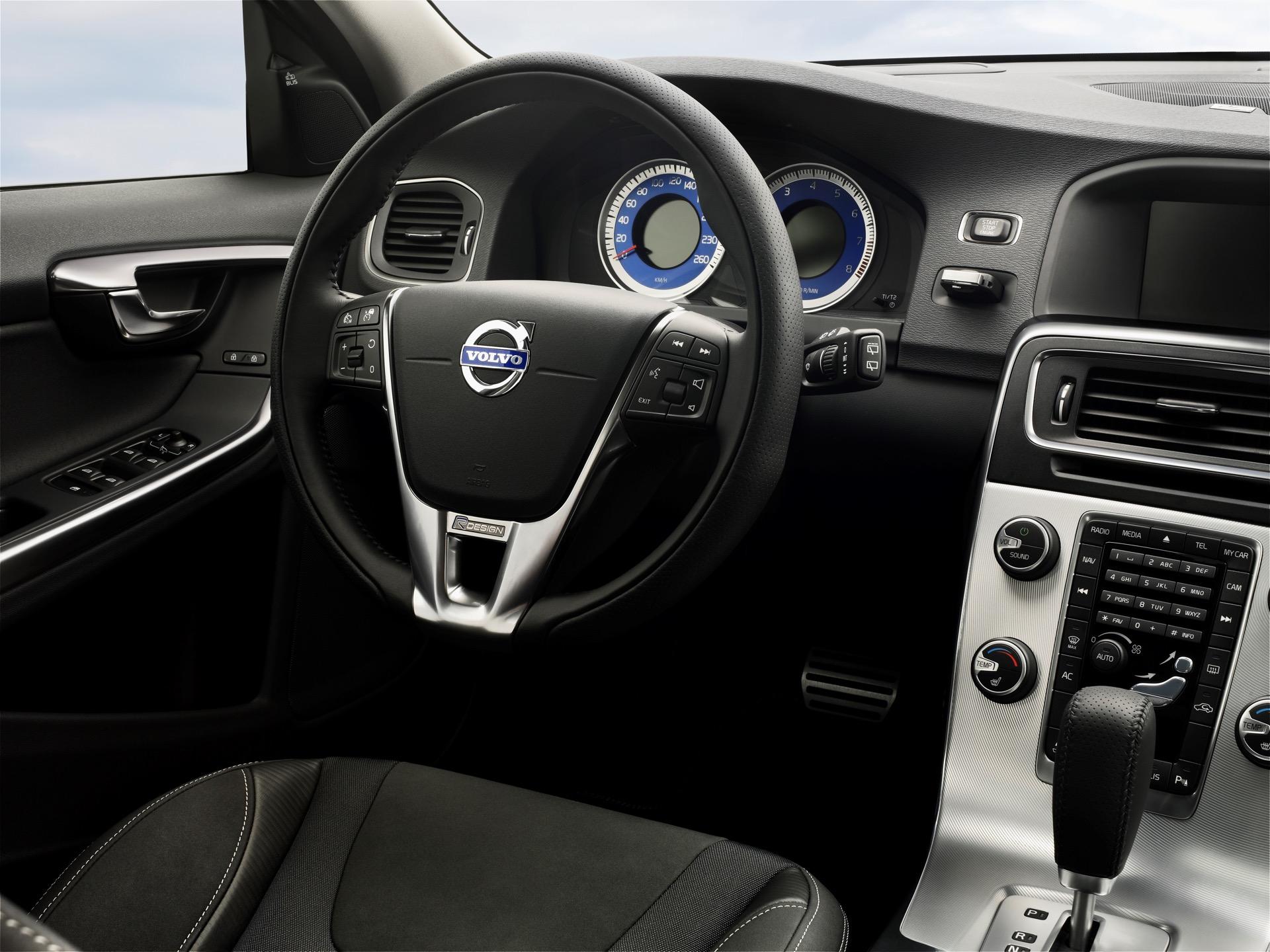 Volvo S60 V60 R Design02 -  Volvo