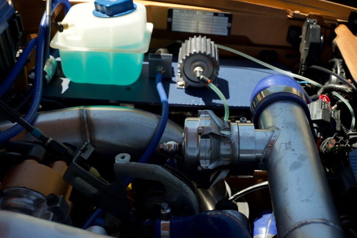 1998 Saffron C70 5-speed, intake and intercooler piping