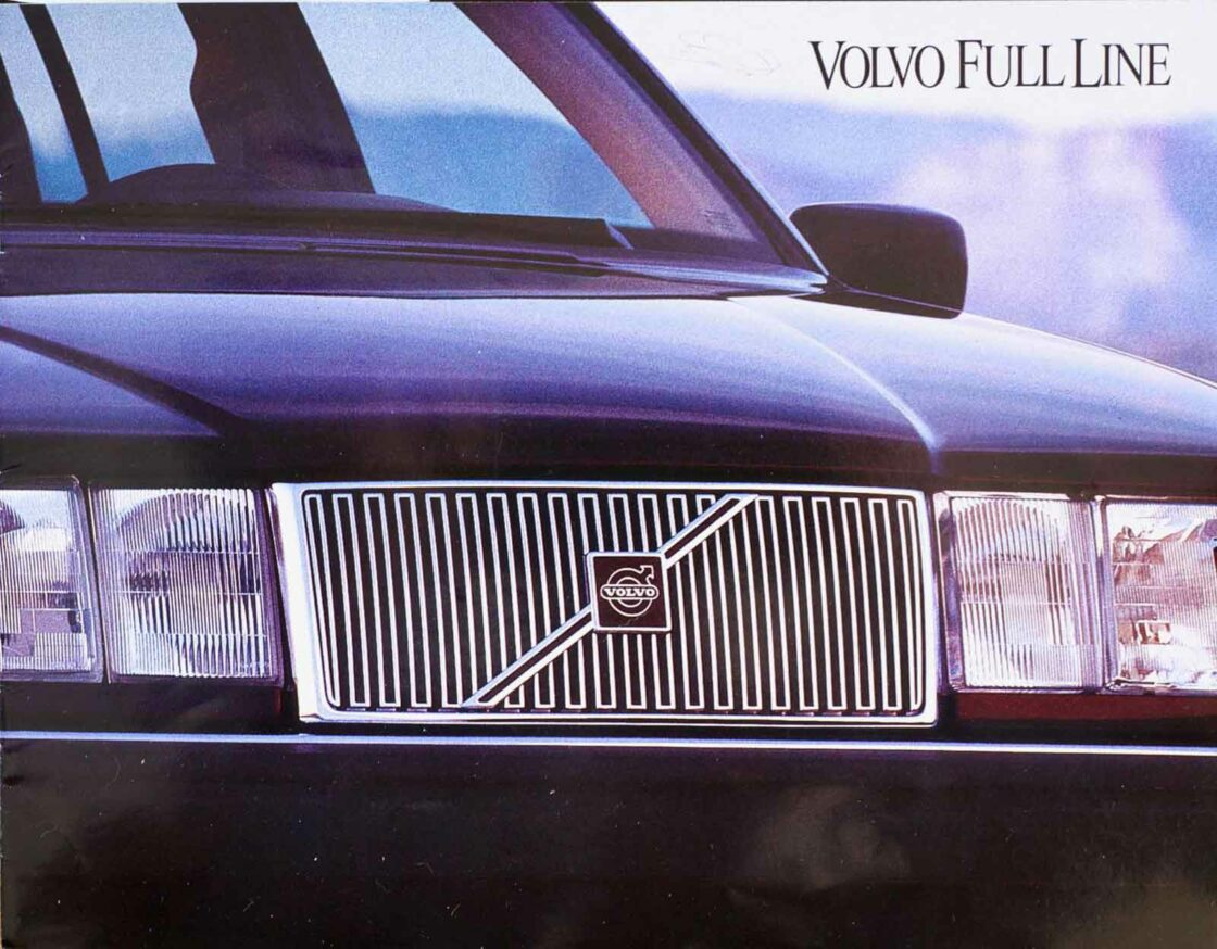 850 and 960 1994 Volvo dealer brochure